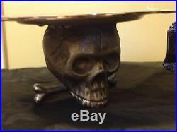 HALLOWEEN SILVER METAL 3D SKULL PEDESTAL CAKE PLATE PLATTER TRAY decor
