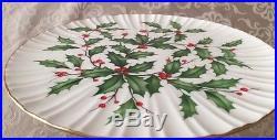LENOX HOLLY BERRY CHRISTMAS PEDESTAL Cake Plate 24K Trim 10.5 Free Shipping