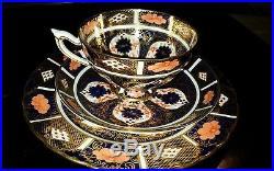 Royal Crown Derby- Old Imari 9021/1128 Pedestal Cup, Saucer & Cake Plate-1929