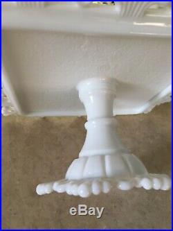 Vtg Westmoreland Ring & Petal Milk Glass Square Pedestal Cake Plate Stand