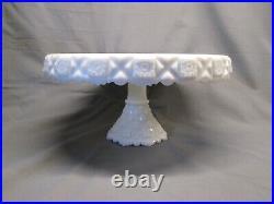 Westmoreland Old Quilt Pattern ROUND CAKE PLATE PEDESTAL STAND Milk Glass White