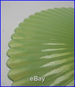 Yalos Casa Murano Cake Stand Opalescent Lime Green Pedestal Scalloped 4 Hx12 D